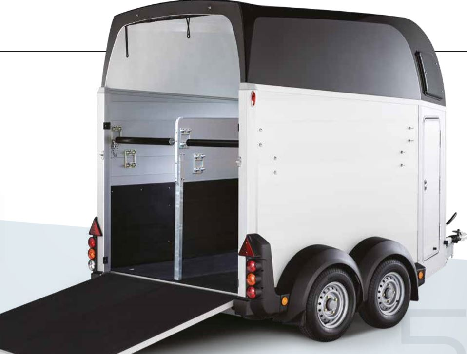 Ifor Williams HBX506 Horsebox Trailer