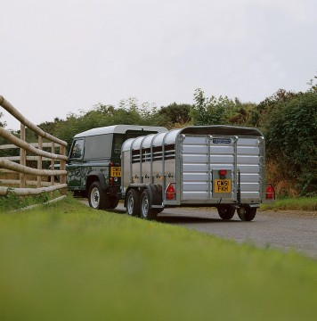 Ifor Williams TA510T 14x4 H/R TRI Sheep and Pig Livestock Trailer