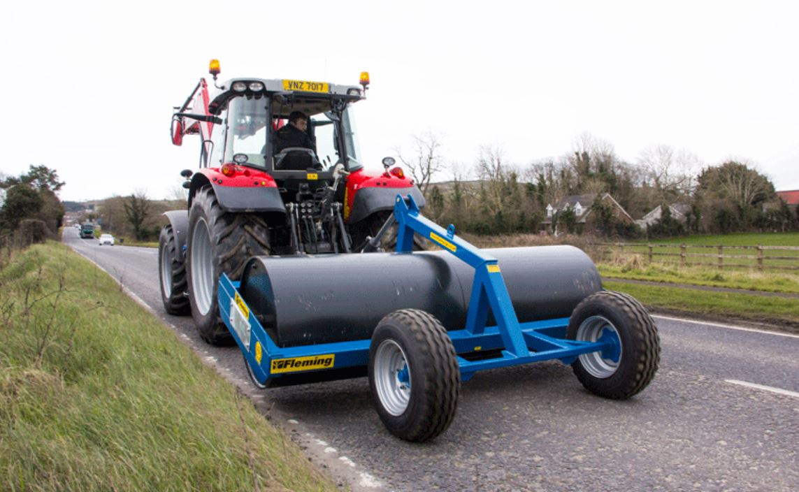 Fleming Agri 2.7m x 16mm Hydraulic Lifting Roller