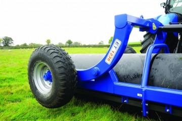 """Walter Watson 10ft  x 36"""" x 14mm Water Ballast Land Roller c/w End Tow Hydraulic Wheel Kit"""