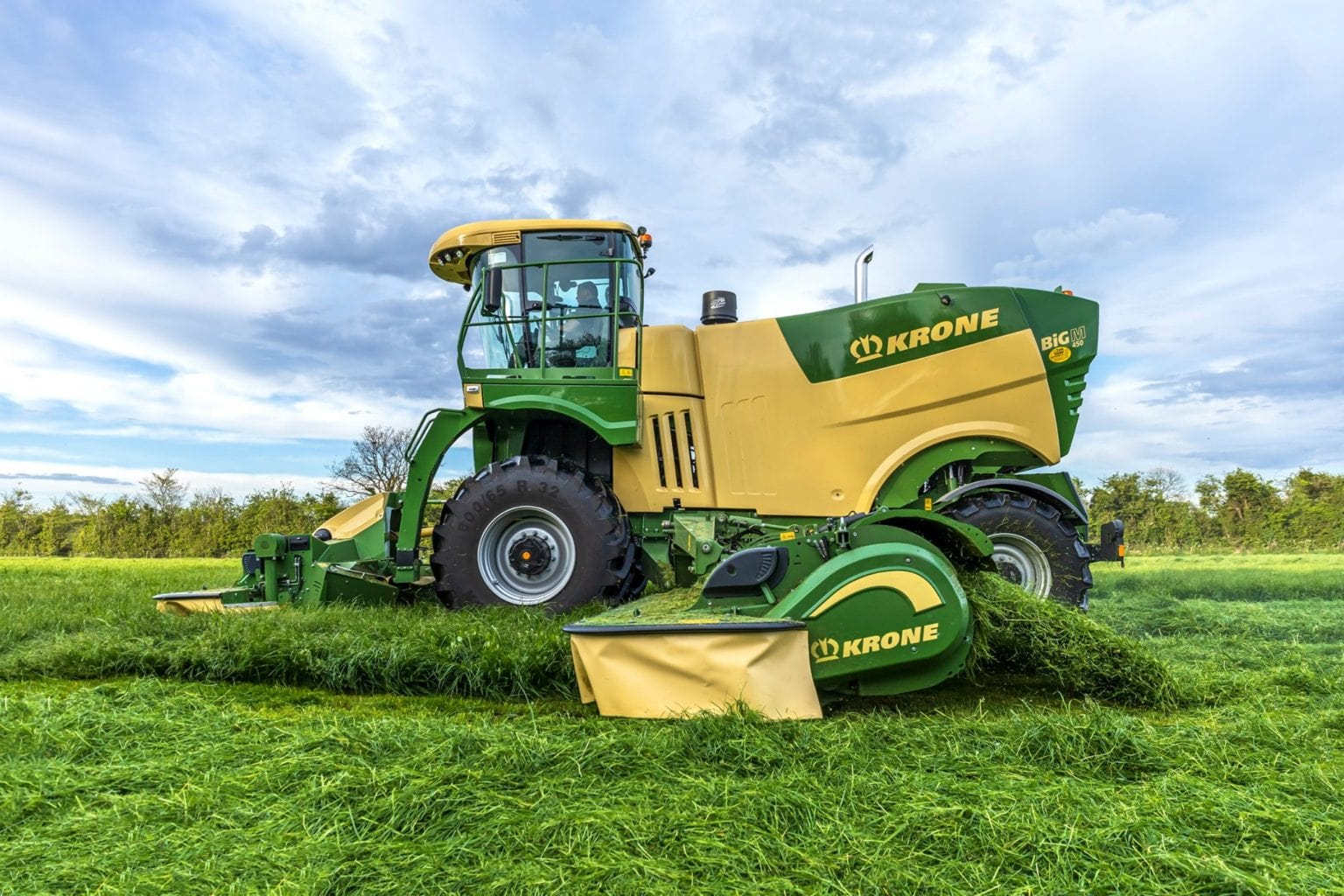 KRONE Big M 450 Self Propelled Mower Conditioner