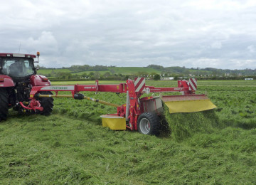PÖTTINGER NOVACAT 307 T ED COLLECTOR Trailed Mower