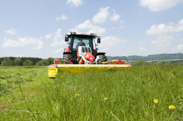 PÖTTINGER NOVACAT 301 CLASSIC Front Mounted Mower