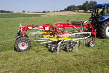 PÖTTINGER TOP 612 C Twin Rotor Rake with Centre Swath Placement