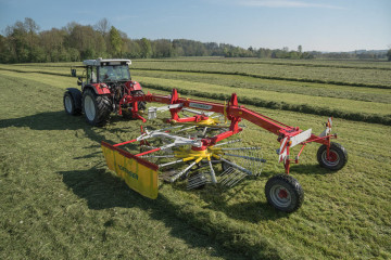 PÖTTINGER TOP 652 Twin Rotor Rake with Side Swath Placement
