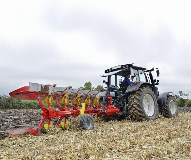 PÖTTINGER SERVO 35 Six Furrow Plough